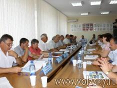 volzsky.ru-o-reshenii-problem-zhkh-govorilos-na-zasedanii-kruglogo-stola